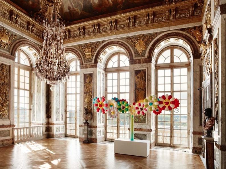"Takashi Murakami © Superflat flowers, 2010 - Vue de l'exposition ""Murakami Versailles"", 2012"