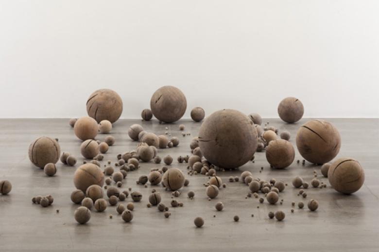 Li Gang © Beads, 2012
