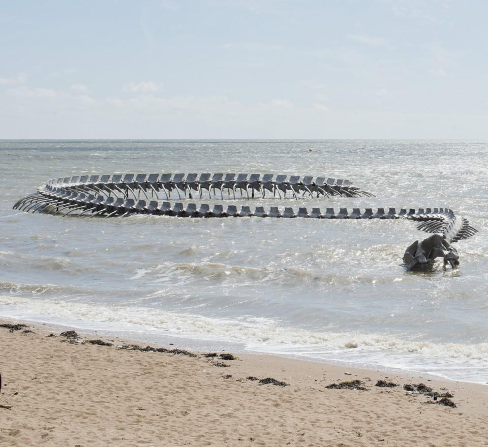 Serpent d'océan, 2012 © ADAGP Huang Yong Ping Photo.Martin Argyroglo/LVAN