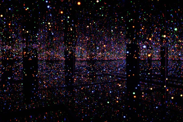 Yayoi Kusama © Infinity Mirrored Room, 2011