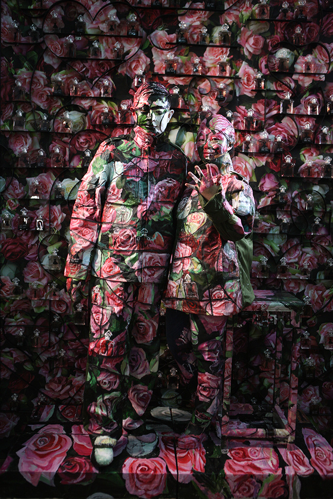Liu Bolin pour Guerlain / Galerie Paris-Beijing