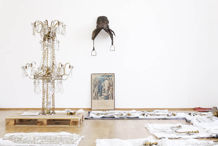 Danh Vo, Installation view Hamburger Bahnhof: 26.05.2009,. 8:43, 2009 – Photographer: Nick Ash