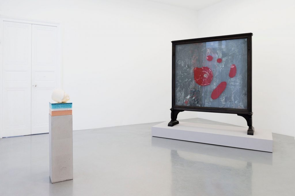 "Vue de l'exposition ""The Laws of Reversed Efforts"" de Bharti Kher, Courtesy Galerie Perrotin"